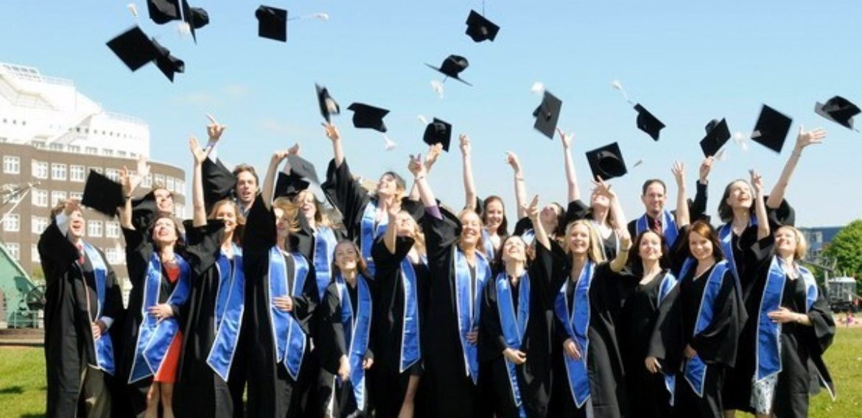 Top 3 trường đại học đào tạo văn bằng 2 tiếng Anh tốt nhất