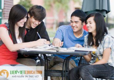 Học văn bằng 2 đại học hay thạc sĩ có lợi hơn?